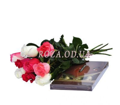 """""""9 imported roses + sweets"""" in the online flower shop roza.od.ua"""