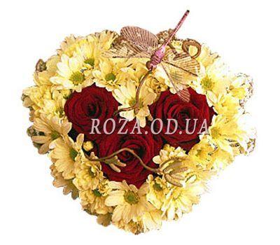 """""""Сердце из 3 роз и 9 хризантем"""" в интернет-магазине цветов roza.od.ua"""