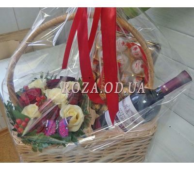 """Basket with flowers and sweets - photo 1"" in the online flower shop roza.od.ua"