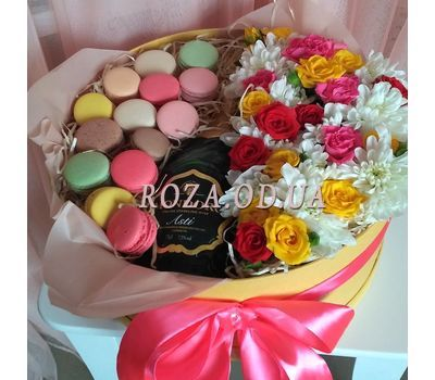 """Flowers with Macarons and Mondoro Asti 1"" in the online flower shop roza.od.ua"