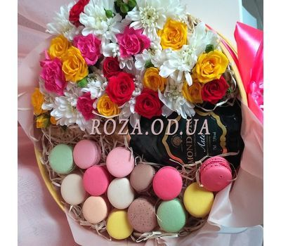"""Flowers with Macarons and Mondoro Asti 2"" in the online flower shop roza.od.ua"