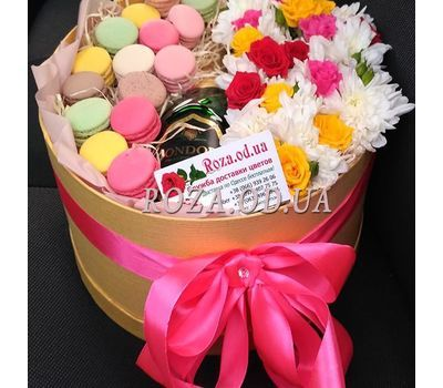 """Flowers with Macarons and Mondoro Asti 5"" in the online flower shop roza.od.ua"