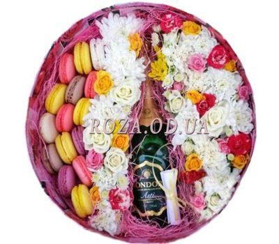 """Flowers with Macarons and Mondoro Asti"" in the online flower shop roza.od.ua"