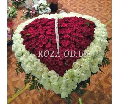 """""""Heart of 350 roses 1"""" in the online flower shop roza.od.ua"""