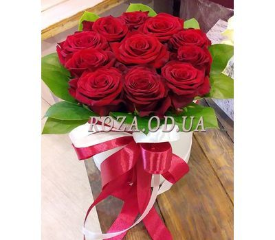 """11 роз в коробке 13"" в интернет-магазине цветов roza.od.ua"