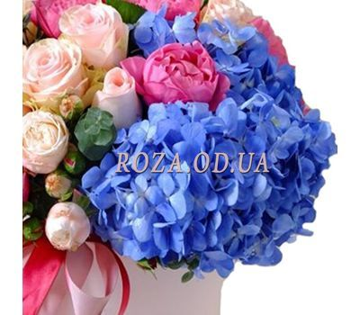 """Bouquet in a box with hydrangea 1"" in the online flower shop roza.od.ua"