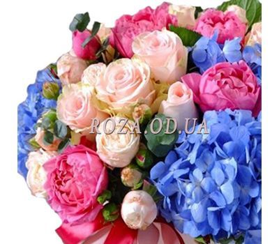 """Bouquet in a box with hydrangea 2"" in the online flower shop roza.od.ua"