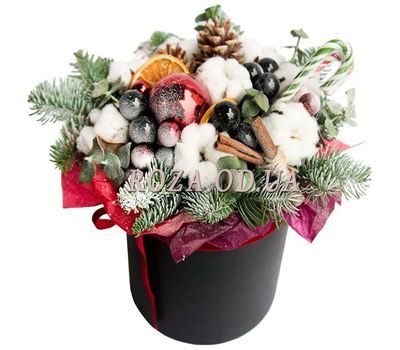 """""""Christmas composition in a box 1"""" in the online flower shop roza.od.ua"""