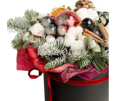 """""""Christmas composition in a box 3"""" in the online flower shop roza.od.ua"""