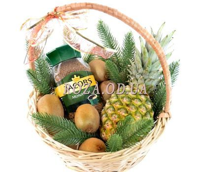 """""""Christmas basket with coffee and fruits"""" in the online flower shop roza.od.ua"""