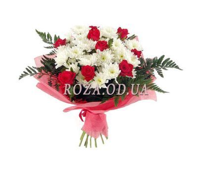 """Bouquet of flowers from roses and chrysanthemums"" in the online flower shop roza.od.ua"
