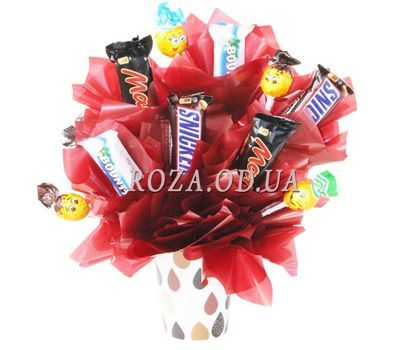 """""""Cup with sweets"""" in the online flower shop roza.od.ua"""