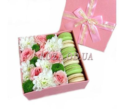 """Flowers and sweets"" in the online flower shop roza.od.ua"