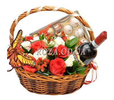 """""""Корзина с цветами и конфетами"""" в интернет-магазине цветов roza.od.ua"""