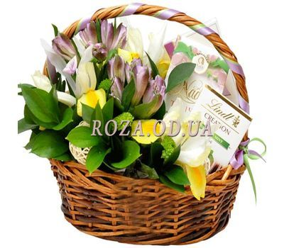 """""""Basket with flowers and sweets"""" in the online flower shop roza.od.ua"""