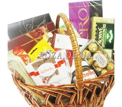 """Basket of sweets"" in the online flower shop roza.od.ua"
