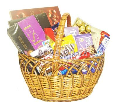 """""""Basket of sweets"""" in the online flower shop roza.od.ua"""