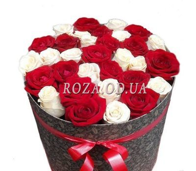 """Roses in a Hat Box"" in the online flower shop roza.od.ua"