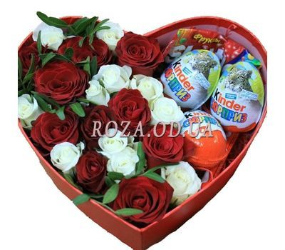 """""""Roses and sweets"""" in the online flower shop roza.od.ua"""
